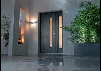 Porte d'entrée alu moderne rainurée et vitrée