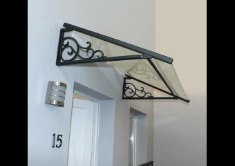 Marquise de porte classique vitrée