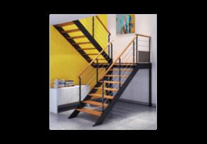 Escalier métal à limons latéraux