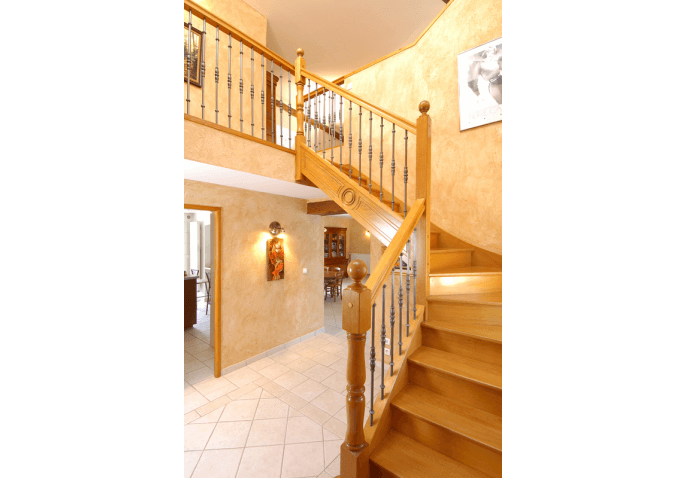 Escalier 1/4 tournant milieu bois exotique