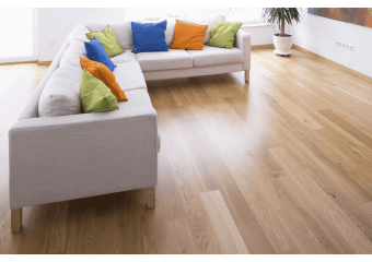 Parquet massif contemporain