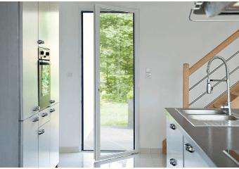 Porte-fenêtre aluminium blanche