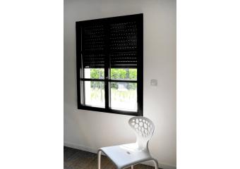 fenêtre aluminium avec volet roulant intégré